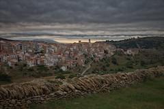 Matí a Vilafranca (Artfolc) Tags: castelló valencialand comunitatvalenciana poble clouds matí maestrat ports vilafranca
