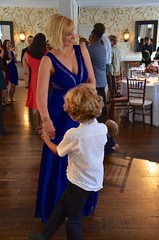 Dancing At The Reception (Joe Shlabotnik) Tags: everett 2018 bronx newyorkbotanicalgarden june2018 dancing afsdxvrzoomnikkor18105mmf3556ged faved