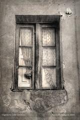 Window in grey (ILO DESIGNS) Tags: window architecture arquitectura artística retro vintage rural old decay fineart ventana antiguo facade wall house detail monochrome monocroma monotone grey texturing pictorial pictórica pictorialist fotografíadeautor spain españa europe avila 2018