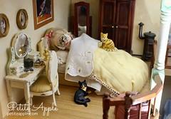 Beauty sleep (Petite Apple) Tags: blythe petiteblythe petiteapple miniblythe dollhouse