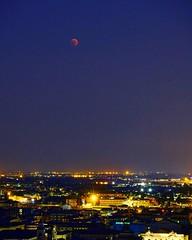 Red Moon (Mario Ottaviani Photography) Tags: sony landscape paesaggio bergamo eclisse luna moon eclissetotalediluna eclissetotale eclissi eclipse redmoon lunarossa bergamoalta red rossa sonyalpha