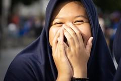 Shy (frank.gronau) Tags: farbe color indonesien asian shy schüchtern woman girl jakarta 7 alpha sony gronau frank