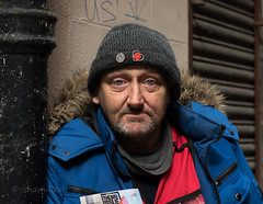 Paul (Charles Hamilton Photography) Tags: glasgow glasgowcharacter glasgowstreetportrait streetportrait people peopleinthecity face character colourstreetportrait glasgowstreetphotography backstreet bathstreet bigissueseller eyecontact naturallight primelens nikond750 85mm charleshamilton