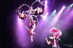 Euphoria_5413 (jeanfrancoislaforge) Tags: performing stage costume ellie euphoria reflection nikon d850 purple performers lights