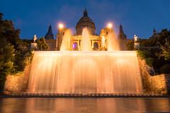 Barcelona (www.jfuentesquero.es) Tags: barcelona agua fuente iluminacion noche larga exposición monjuc cataluña españa spain