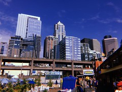 Fraiser, the Squeakuel (WallisColours) Tags: 晴れ 夏 空 建物 シアトル アメリカ ワシントン州 ワシントン pretty westcoast bluesky pnw pacificnorthwest washingtonstate washington buildings sunny summer skyline seattlewaterfront seattle downtownseattle