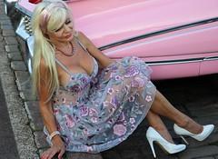 6Q3A8617 (www.ilkkajukarainen.fi) Tags: pinup mature lady woman portrait potretti helsinki visit think pink cadillac auto cruising mekko dress heels korko kenkä kengät brodeeraus blond blondi suomi finland finlande eu europa scandinavia kesä summer 2018