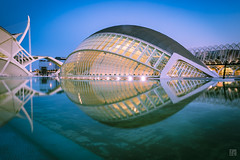 Ciutat de les Arts i les Ciències at Dusk 5 (lycheng99) Tags: dusk ciutatdelesartsilesciències ciudaddelasartesylasciencias reflections architecture architecturaldesign modernarchitecture water pool sky geometry spain valencia
