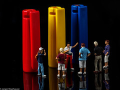 Macro Monday #Plastic  - Kunstführung (J.Weyerhäuser) Tags: kappen macromonday hmm kunst führung plastic museum preiser h0 187