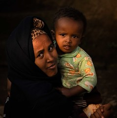 Mother and Child (Rod Waddington) Tags: africa african afrique afrika äthiopien ethiopia ethiopian ethnic etiopia ethnicity ethiopie etiopian tigray lalibela mother child culture cultural family