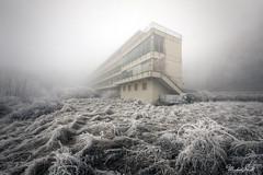 Frozen time (Michal Seidl) Tags: abandoned verlassene ehemalige sanatorium hospital opuštěná léčebna nemocnice hdr mountain mlha fog urbex architecture austria