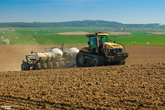Corn Planting | CHALLENGER // KINZE (martin_king.photo) Tags: springwork springwork2018 corn mais maize planting cornplanting challenger kinze tracs tractractor yellow spring seasons work worker planter challengermt865c kinze3600 littleamerica agco yesagco landscape strong big hugemachine sky blue clouds springishere fields agriculture huge all everything servis tschechische republik powerfull martin king photo machines agricultural greatday great czechrepublic welovefarming agriculturalmachinery farm workday working modernagriculture landwirtschaft photogoraphy photographer canon martinkingphoto love farming daily machinery modern machine colorful colors field explore