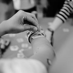 Vieilles Charrues 2018 (Ubuntu Party) Tags: vieillescharrues vc2018 ubuntufr carhaix carhaixplouguer 2018 stand tatoo tatoos tux villagecamping equipe festival festivalier ccbysa photobyamandahinault monochrome noiretblanc blackandwhite