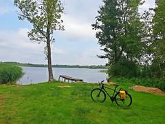 Summertime enjoy (gregor_kampus) Tags: jezioro białe rower kross gorzewo mazowsze samsung lato relaks ciepłe dni podróż