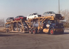GMC 9500, Roadway Transport #S1594 (PAcarhauler) Tags: carcarrier semi truck trailer tractor gm jeep