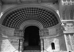 Palazzo di Cabiria, Quartiere Coppedè, Rome (Postcards from San Francisco) Tags: ma berggerpancro400 ber49 film analog roma italia