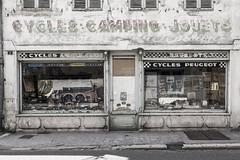 Cycles, Camping et Jouets quai du Doubs - Désertification (Remy Carteret) Tags: color colors canon 5d mkii mk2 markii france eos architecture remycarteret rémycarteret canon5dmarkii canon5dmark2 canoneos5dmarkii canoneos5dmark2 5dmark2 5dmarkii mark2 canon5d saoneetloire doubs commercedeproximité commerce petitcommerce fermeture closed désertification vitrine passé past avant boutique commerçant disparition fermeturecommerce fermeturescommerces commerces commerçants sorrywereclosed àvendre verdunsurledoubs cyclescampingjouets cycles camping jouets vélo vélos cycle bicyclette bicyclettes
