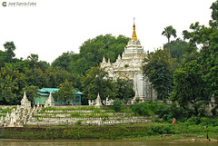 11-10-04 01 Myanmar (606) O01 (Nikobo3) Tags: asia myanmar birmania burma mandalay culturas color templos paisajes paisajeurbano travel viajes nikon nikond200 d200 nikon7020028vrii nikobo joségarcíacobo naturaleza
