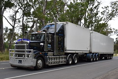 Leslie Refrigerated Transport - Kenworth T908 (Bourney123) Tags: kenworth t908 trucks truck trucking highway haulage diesel fridge bdouble bonnet