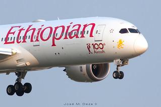 Ethiopian B787-9 ET-AUQ