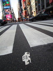 Short Stikman White Robot Tile Tmes Square NYC 7079 (Brechtbug) Tags: a return stikensian era white robot tile stikman broadway times square nyc street art graffiti tag tagging stencil cut out toynbee stickman asphalt figurative school flat action figures new york city 08102018 cross walk smoke 2018 stik man men curious streets summer heat august