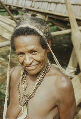 Muyu-Mandobo-002b (Stichting Papua Erfgoed) Tags: stichtingpapuaerfgoed pace pietvanmensvoort msc papua nieuwguinea nederlandsnieuwguinea irianjaya papuaheritagefoundation voormalignederlandsnieuwguinea