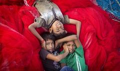 Friends (BALAJI SEETHARAMAN) Tags: india chennai canon600d kids boys colours friends balajiseetharaman