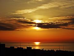Colores del amanecer (Antonio Chacon) Tags: andalucia amanecer marbella málaga mar mediterráneo costadelsol cielo españa spain sunrise sol