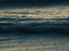 The Little Blue Wave (Steve Taylor (Photography)) Tags: blue monocolor monocolour newzealand nz southisland canterbury christchurch newbrighton beach ocean pacific sea waves dawn sunrise twilight winter
