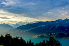 Morning light (II) (sylviafurrer) Tags: morgenlicht morninglight wolken clouds berneroberland bernesealps switzerland mountain berge eigermönchundjungfrau thunersee lakethun