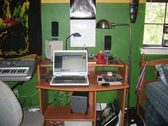 home desk laptop room workspace workstation lappy