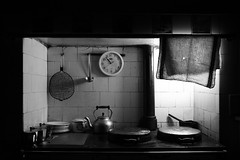 Time stands still (RoryO'Bryen) Tags: blackandwhite white black blanco kitchen branco still interiors noir time noiretblanc availablelight interior negro rory stove stunning bianco blanc nero pretoebranco clocks aga number9 cambridgeuk obryen superaplus aplusphoto prto roryobryen roarsthelion copyrightroryobryen