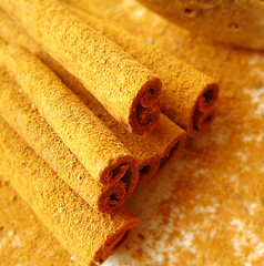 cinnamon craze! (bitzi  ion-bogdan dumitrescu) Tags: food kitchen backlight fun sticks cinnamon spice powder spices duster stick blownaway bitzi ibdp findgetty ibdpro wwwibdpro ionbogdandumitrescuphotography