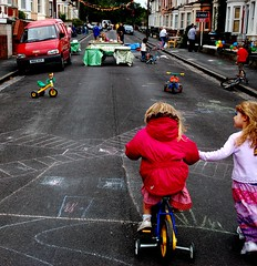 Street party (qwertyuiop) Tags: street bike topv111 fermidaily bristol children geotagged chalk community sunday streetparty windmillhill utatafeature week58 geolat51437862 geolon2596861 flickl2