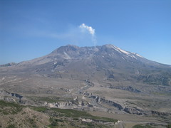 Mount St. Helens (Ryan Hadley) Tags: usa mountains nature landscape volcano washington crater cascades mountsthelens nationalmonument mtsthelens cascademountains lavadome johnstonridge mountsthelensnationalvolcanicmonument johnstonridgeobservatory southcascades