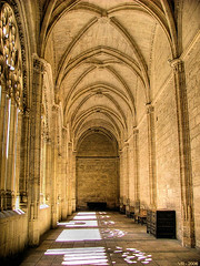 2006_segovia_Catedral_Portal_claustro01 (VRfoto) Tags: church spain espanha catedral 2006 igreja segovia claustro segvia ph220 interestingness321 i500 a199