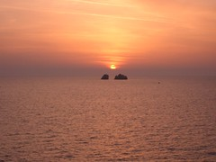 Santorini, Greece (Ray spain) Tags: sunset red summer rock islands mediterraneo greece grecia islas rocas egeo cicladas ciclades