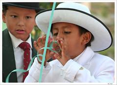 Da de fiesta (fertraban) Tags: tag3 taggedout tag2 fiesta tag1 asturias nios sombrero oviedo nio sanmateo soplar cintas challengeyouwinner desfiledeamricaenasturias ltytr2 ltytr1 ltytr3 ltytr4 ltytr5 superlativas