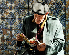 Reading the TV novels summary (pedrosimoes7) Tags: portugal tile reading gente reader revistas magazines azulejo cpt viseu elderlypeople leitor thecontinuum mireasrealm flickrduel