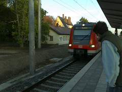 Commuting in Munchen (Allach) (Matthias Wagner) Tags: germany mobilife contextwatcher geotagged dry commuting munchen cellmcc262 addresspostalcode80999 cellmnc2 celllac903 timehour7 addresstimezonegmt1 addresscontinenteurope addresscountrygermany addresscitymunchen addresssubdivisionbayern addresspopulatedplacemunich clusterurispaceowlhome cellcid229638166 clusternameallach clusternumber11 addressstreetvesaliusstrase astronomymoonstatewaninggibbous atmospherepressurechangesteady atmosphereuv0 atmosphereuvmax3 conditioncondfoggy astronomysunlightday astronomymoonlighttrue atmospheretstorm0 atmospherepressure102 winddirne windgust3 atmospherevisibility1 windforce0 windspeed1 locationrange1695 astronomymoonphase14 atmospherehumidity100 locationkinghenkeertink astronomysunhours1113 geolat4818999107 geolon1146537239 temperaturefeel5 temperaturetemp2
