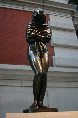 statue of shamed woman