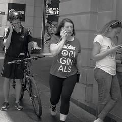 Sydney (Karin Gottschalk) Tags: panasonic lumix dmcgx8 panasoniclumixdmcgx8 panasoniclumixg25mmf17 macphun luminar street urban urbandocumentary documentary streetphotography sydney newsouthwales australia pittstreet