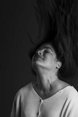 6E1A2070 (Christian González Verón) Tags: gefühle sentiments feelings sentimientos retrato portrait porträt mexico cdmx greencasting gabbylecea christiangonzálezverón christiangonzalezveron christiangonzálezv canon canoneos7dmarkii canonef70200mmf28isusmii canondeméxico canonméxico cgvphoto blancoynegro blackandwhite schwarzundweis