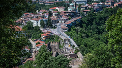 2018 - Bulgaria - Veliko Târnovo - Tsaravets Fortress - 5 of 6 (Ted's photos - For Me & You) Tags: 2018 bulgaria cropped nikon nikond750 nikonfx tedmcgrath tedsphotos vignetting velikotârnovo velikotârnovobulgaria people peopleandpaths pathsandpeople cityview tsaravetsfortress tsaravetsfortressvelikotarnovo bollards church churchdome vehicles