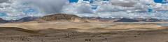 Entre Sary-Gorum et Bulunkul, Pamirs, Tadjikistan (Pascale Jaquet & Olivier Noaillon) Tags: montagnes lac paysage nuages ciel panorama6 neige entresarygorumetbulunkul gornobadakshan tadjikistan tjk