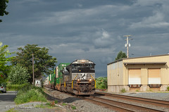 Storm Light @ Lyons, PA (Darryl Rule's Photography) Tags: blandon bowers diesel diesels emd eastpennbranch eastbound fleetwood freight freightcar freighttrain freighttrains ge intermodal lyons ns norfolksouthern outerstation pa pennsylvania railroad railroads reading readingnorthern readinglines readingrailroad train trains up unionpacific westbound