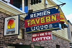 Remie's Tavern, Marquette, MI (Robby Virus) Tags: marquette michigan mi up upper peninsula remies bar tavern pub neon sign signage liquor booze alcohol remillards big cup lotto
