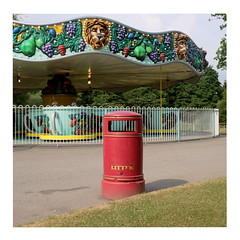 51 (trash can) (ngbrx) Tags: paultonspark ower newforest hampshire england freizeitpark theme park trash can mülleimer carousel karussell uk united kingdom great grossbritannien britain