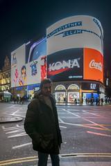 David Piccadilly Circus (davidmp93) Tags: londres london reino unido uk regent piccadilly circus gielgud theatre china town les miserables camden lock cyberdog tower bridge eye abadia de westminster columna nelsontrafalgar square caballerizas photo nikon d3300 harrods museo historia nacional national history museum troops war memory brompton
