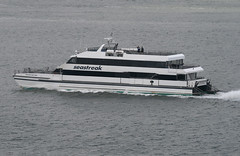 SEASTREAK NEW YORK, in New York, USA. May, 2018 (Tom Turner - NYC) Tags: seastreak seastreaknewyork catamaran fastferry ferry passengerferry commuters vessel water waterway channel bay narrows statenisland newyork nyc bigapple usa unitedstates marine maritime pony port harbor harbour transport transportation tomturner